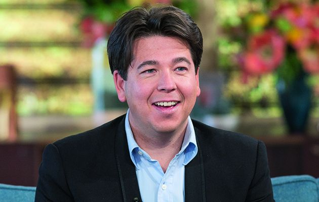 Michael McIntyre heads to the end of the pier to join Jamie Oliver and Jimmy Doherty for what is sure to be a riotous episode.