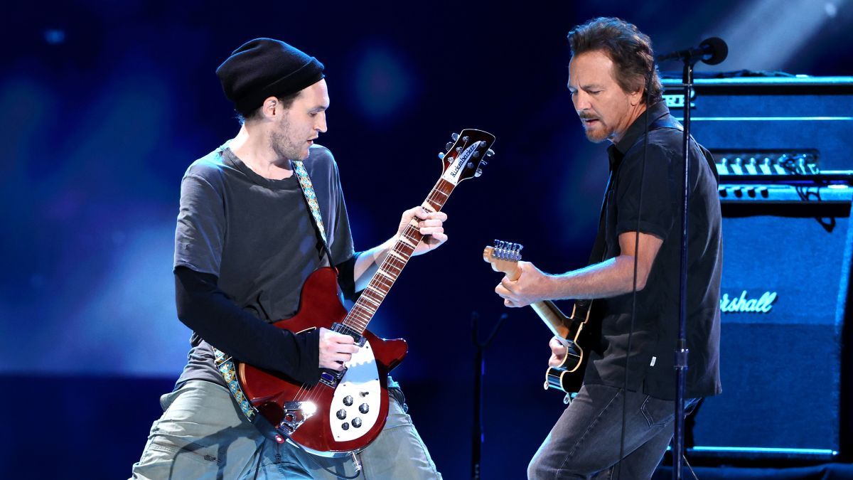 See Pearl Jam joined by former Red Hot Chili Peppers members Josh Klinghoffer as their new touring guitarist