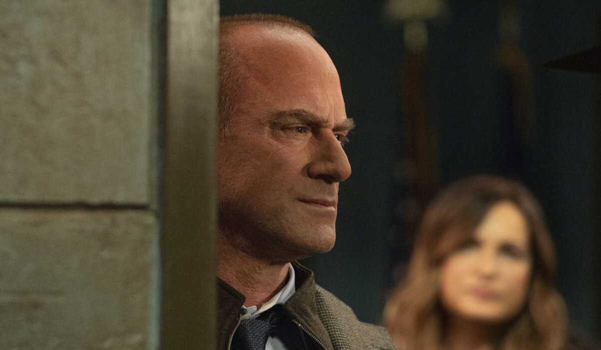 law and order svu organized crime stabler benson mirror nbc