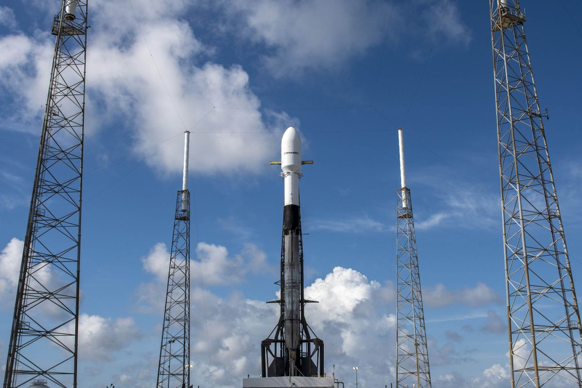 SpaceX will launch a new Sirius XM satellite early Sunday. Here's how to watch online. - Space.com