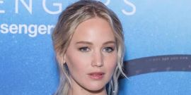 See Jennifer Lawrence's Stellar Look While In Paris For Passengers