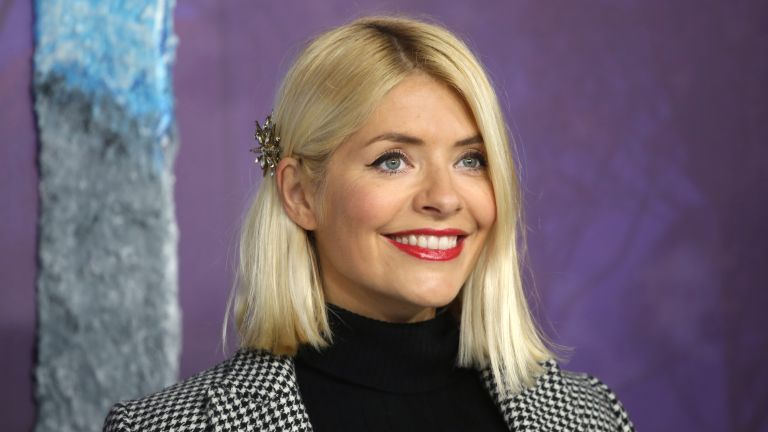 Holly Willoughby - What makeup does Holly Willoughby use?