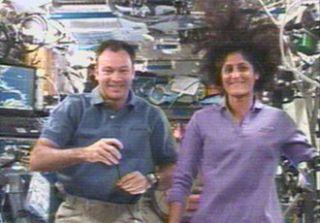 Martha Stewart Makes Orbital Call to ISS Crew