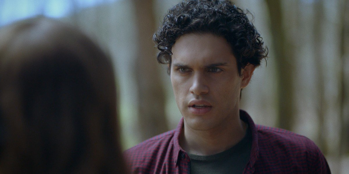 Landon looking at Hope with anger in his eyes Legacies The CW