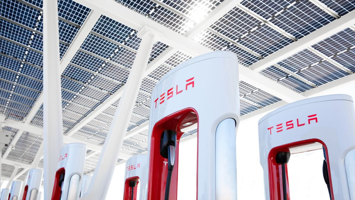 Elon Musk provides details on Supercharger access for all, but it may cause problems