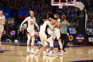 Stanford will face Arizona in the women's college basketball finals