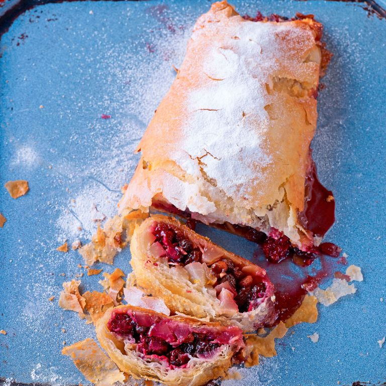 Blackberry and pear strudel paul hollywood photo