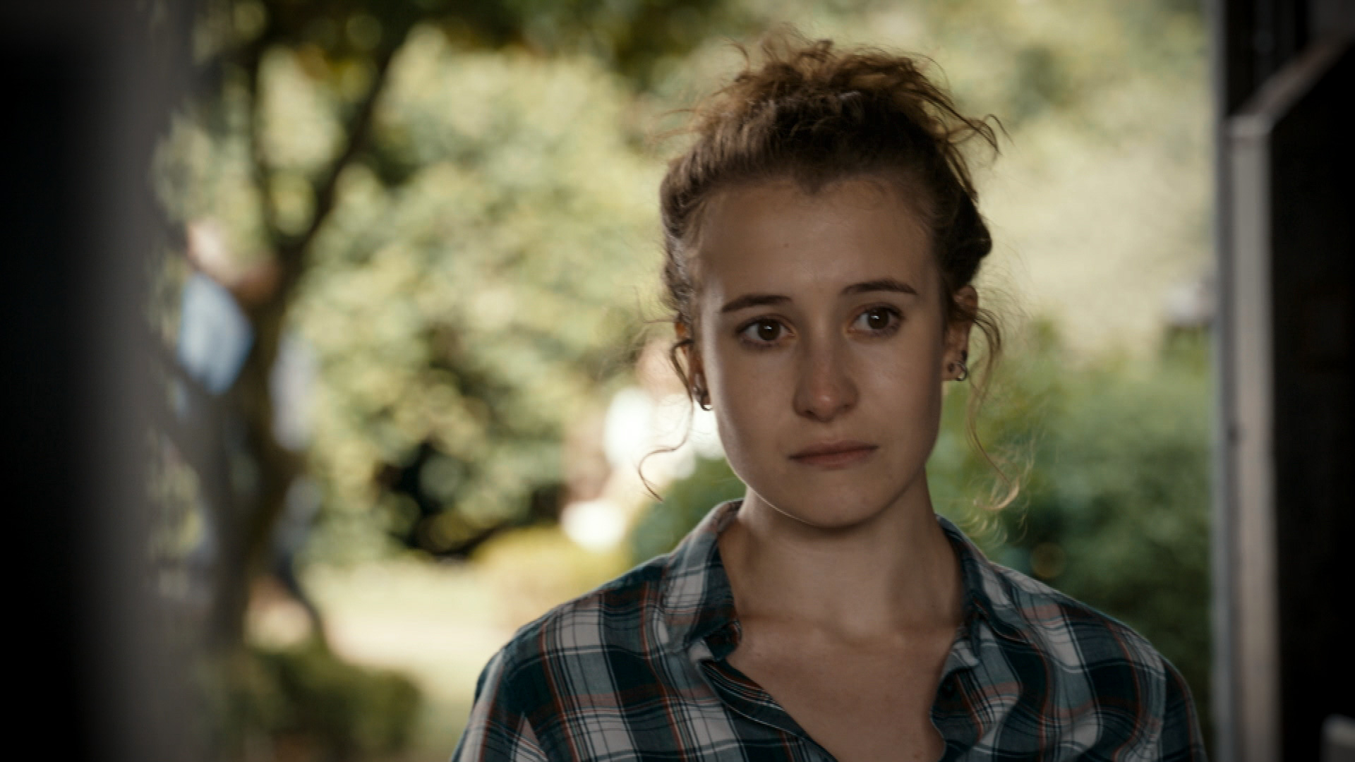 Phoebe French plays Evie Fletcher in Holby City