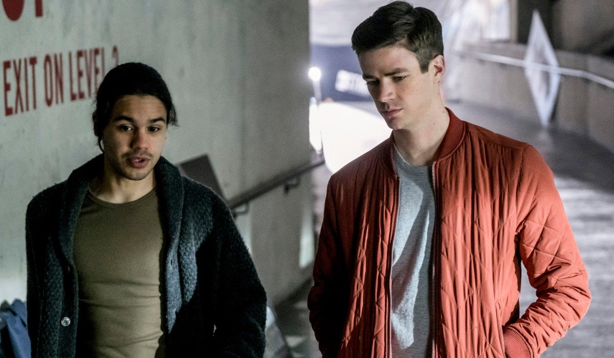 Cisco and Barry Talking The Flash CW