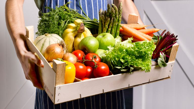 Fruit and vegetable basket for healthy eating