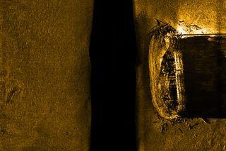 The skeleton of HMS Erebus, sonar, ghost shipwrecks