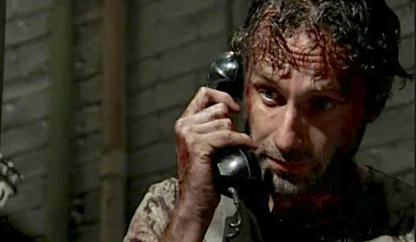 rick on phone walking dead