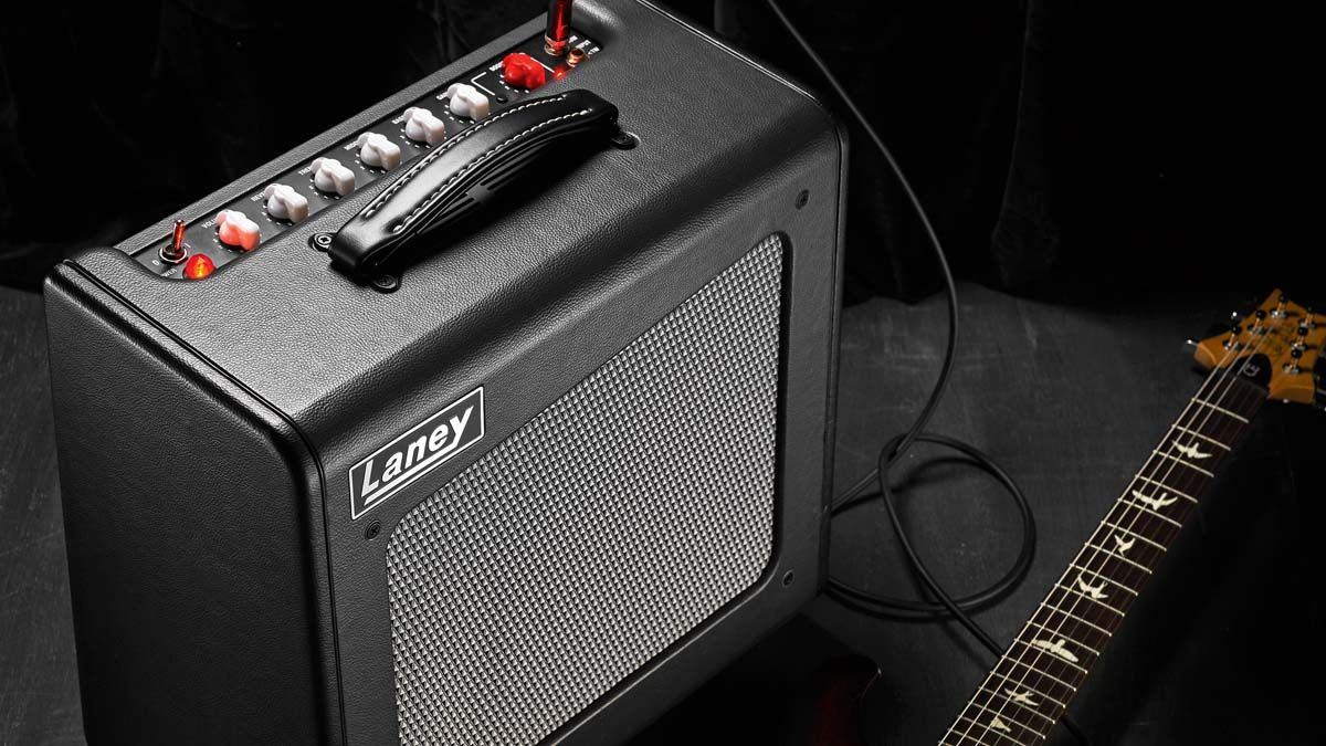 If you are looking for an affordable 1x12 tube combo, the Cub-Super12 is hard to beat. Its one-watt input makes it bedroom-friendly, while at 15 watts