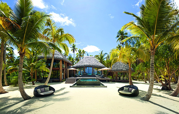 Food critic Giles Coren and chef Monica Galetti return to make us as green as an unripe coconut as they visit five of the world's most exclusive hotels.