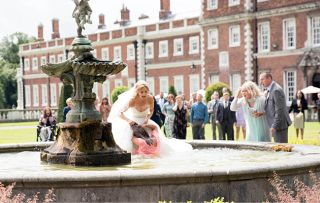 Maria Eva Coronation fountain fight 1