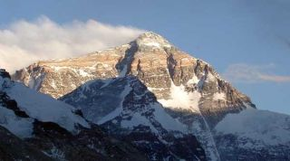 mount-everest-101108-02