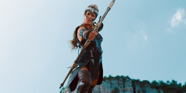 Robin Wright's General Antiope shooting an arrow in the air