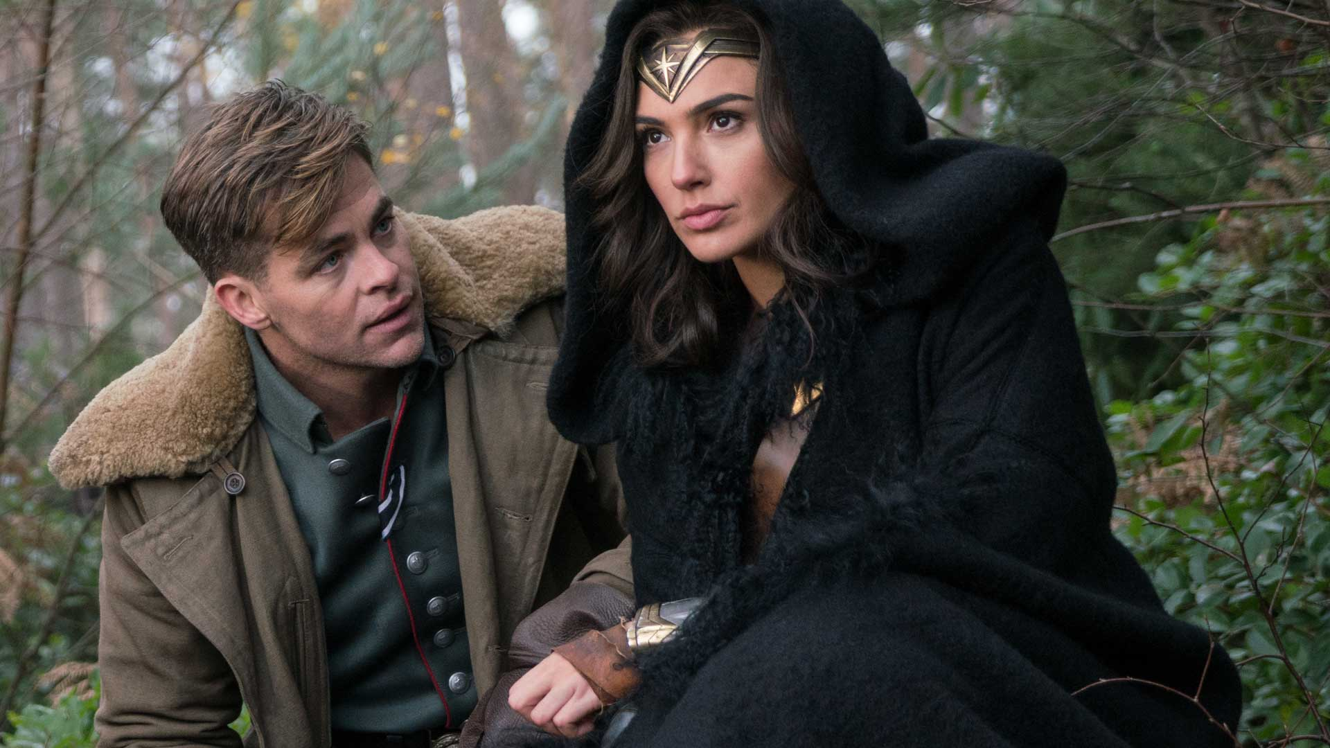 Chris Pine and Gal Gadot in Wonder Woman.
