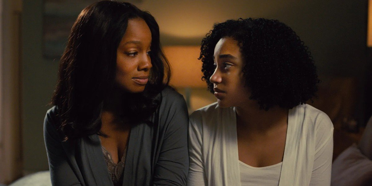 Amanda Stenberg and Anika Noni Rose in Everything, Everything