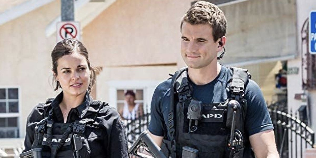 Lina Esco as Chris Alonso and Alex Russell as Jim Street in S.W.A.T.