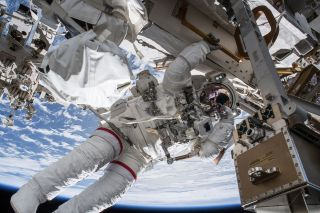 "Drew Feustel ""hangs"" from ISS"