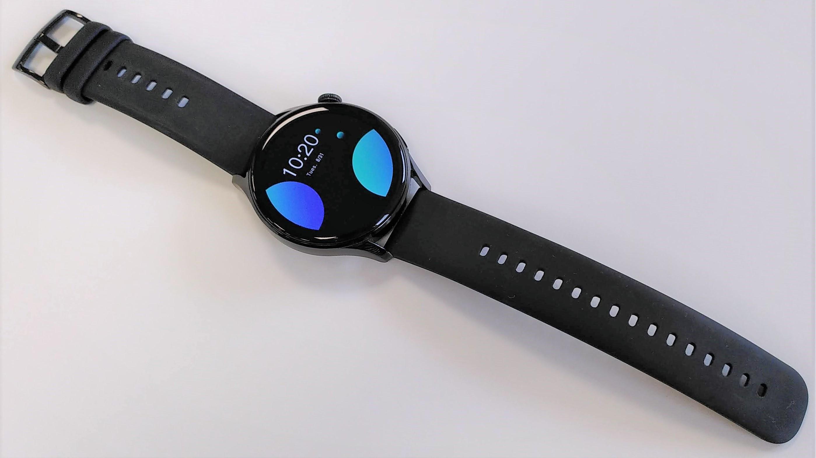 Huawei Watch 3 showing full length of strap