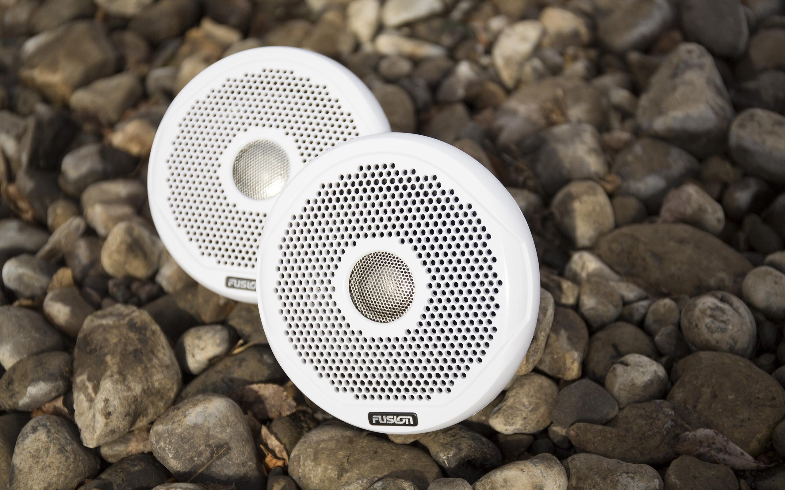 Best Marine Speakers 2019 - Boat Speaker Reviews, Test