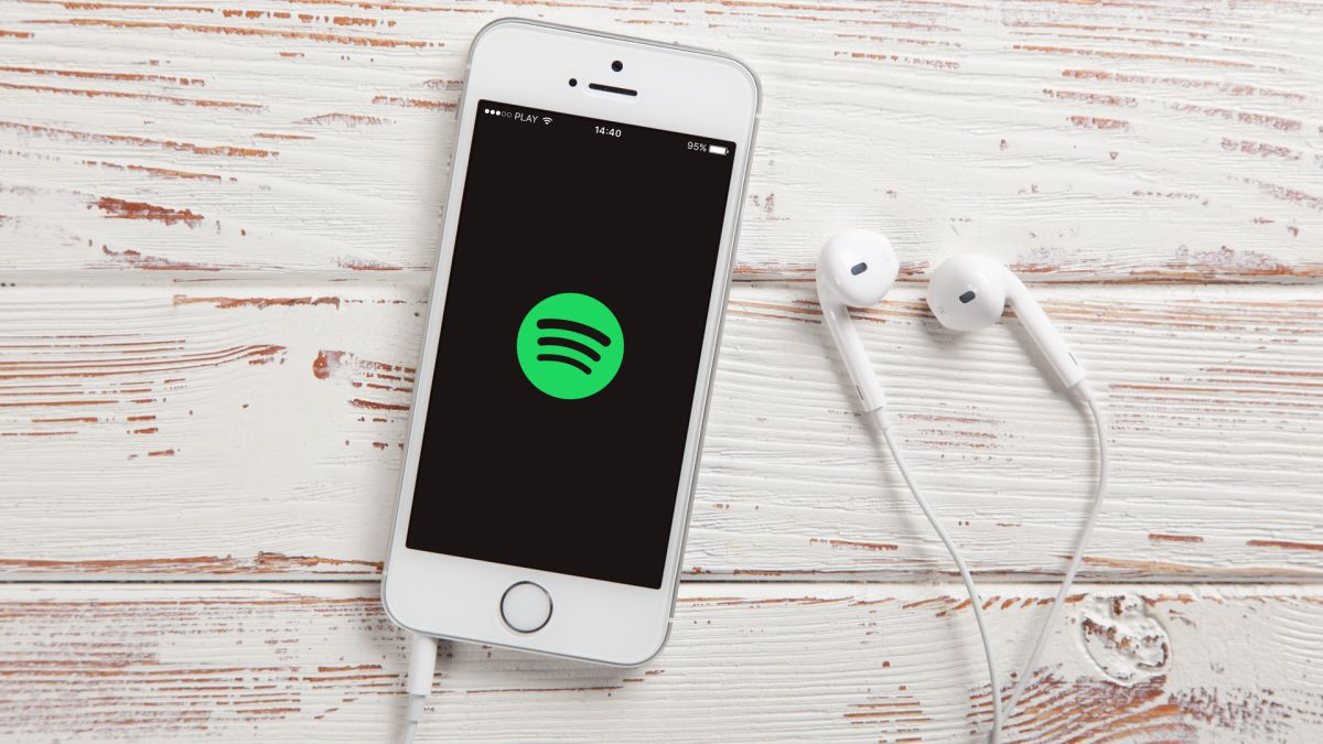 Spotify is currently testing the display of real-time lyrics during song playback