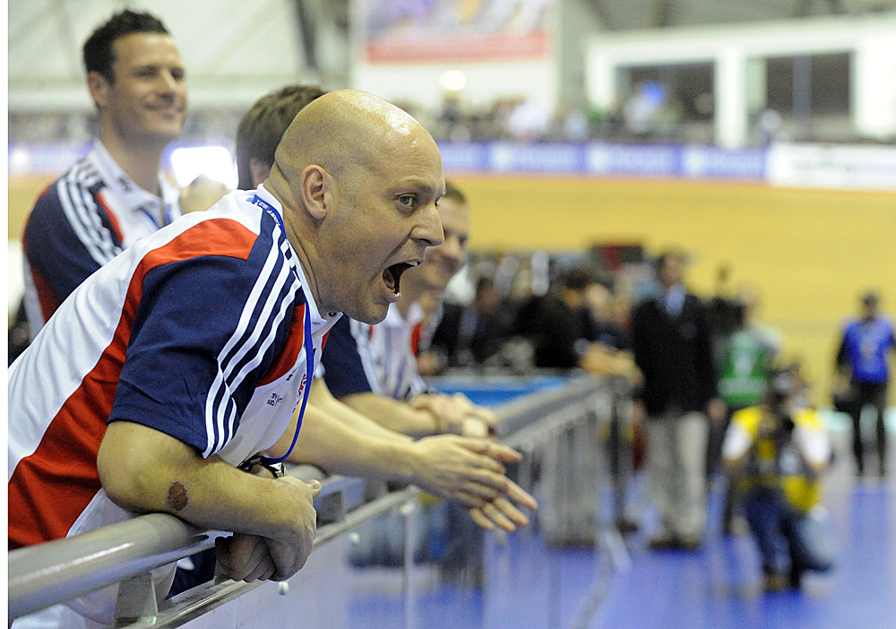 David Brailsford cheers, Britain wins team pursuit, Manchester Track World Cup 2011