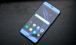 Huawei Honor 8 is a Color-Shifting, Dual-Camera Marvel