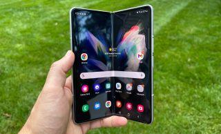Samsung Galaxy Z Fold 3 battery life