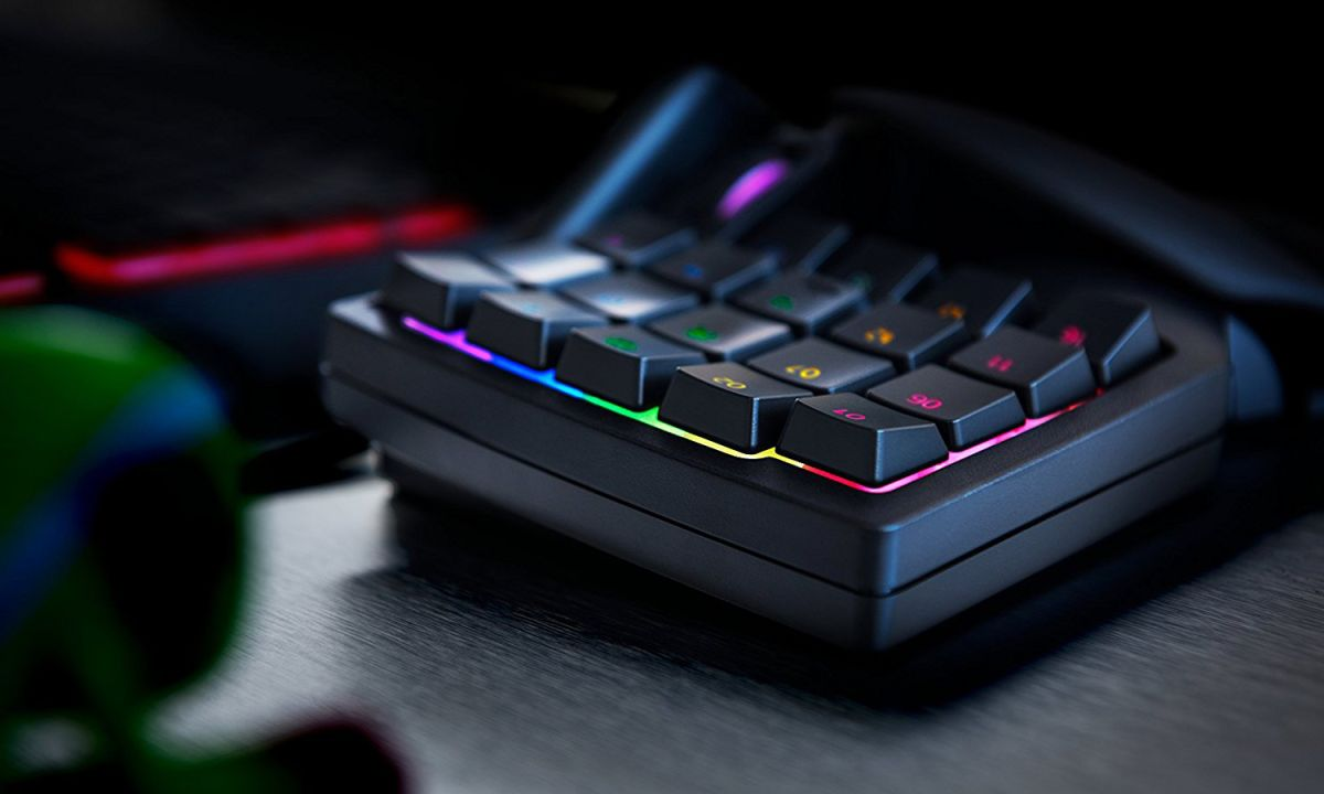 Razer Tartarus V2 Chroma Review: Good For MMO Mavens | Tom's
