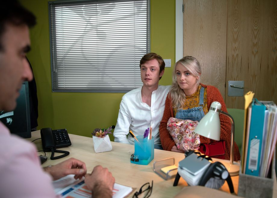 Sinead in Coronation Street waits for her test results with Daniel