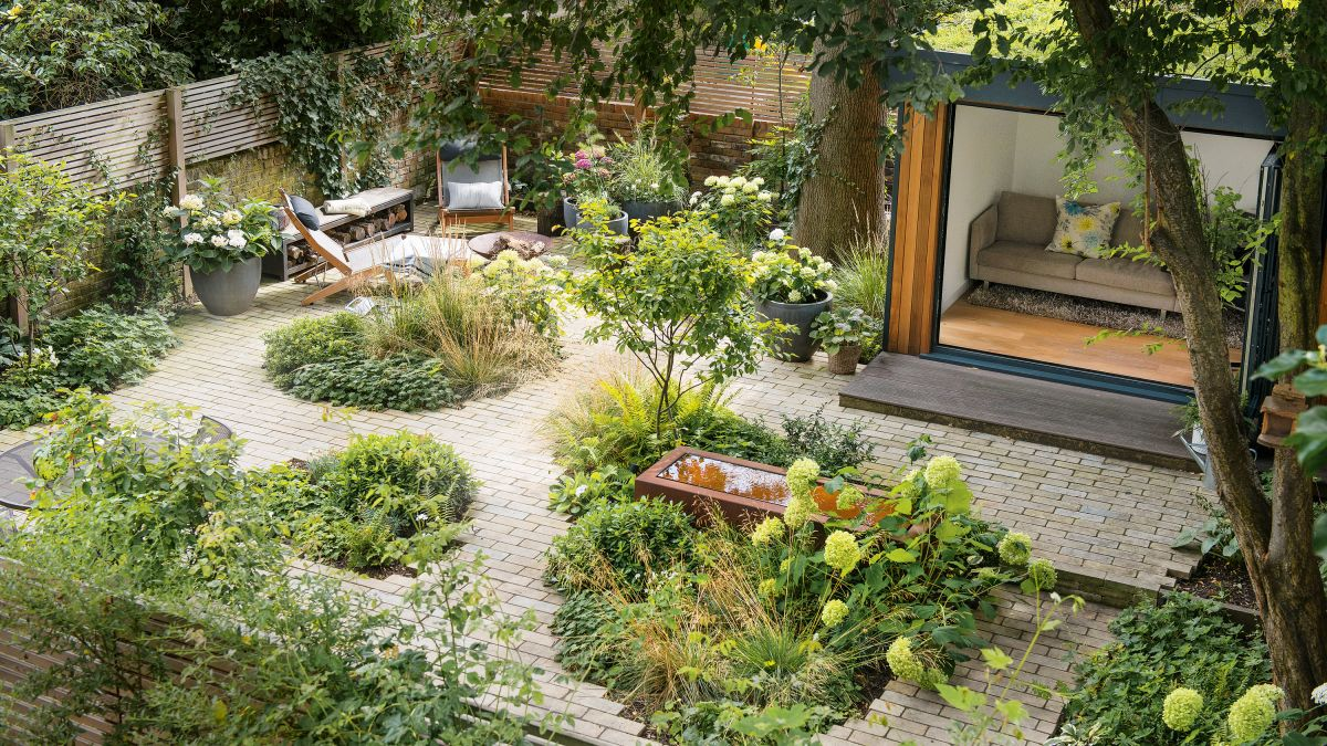 See this low maintenance garden full of clever design ideas