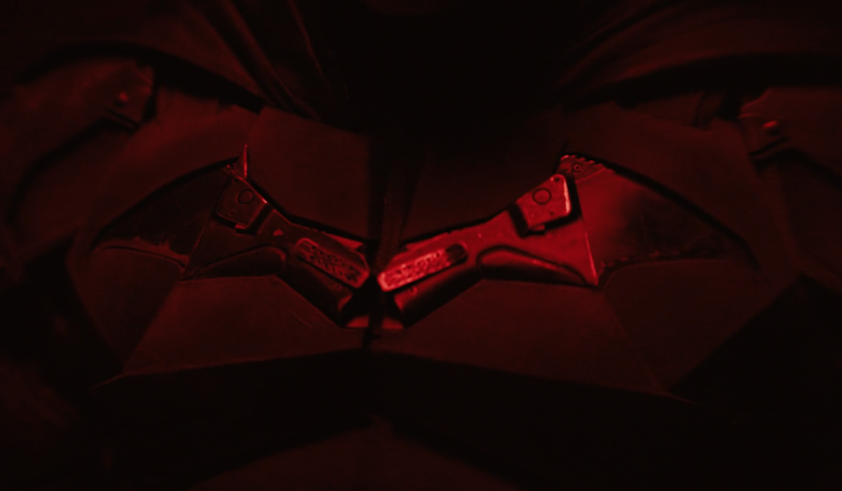 The Batman test footage, Robert Pattinson suit, Matt Reeves