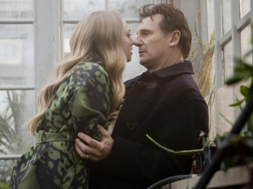 Chloe - Amanda Seyfried & Liam Neeson star in Atom Egoyan's erotic thriller