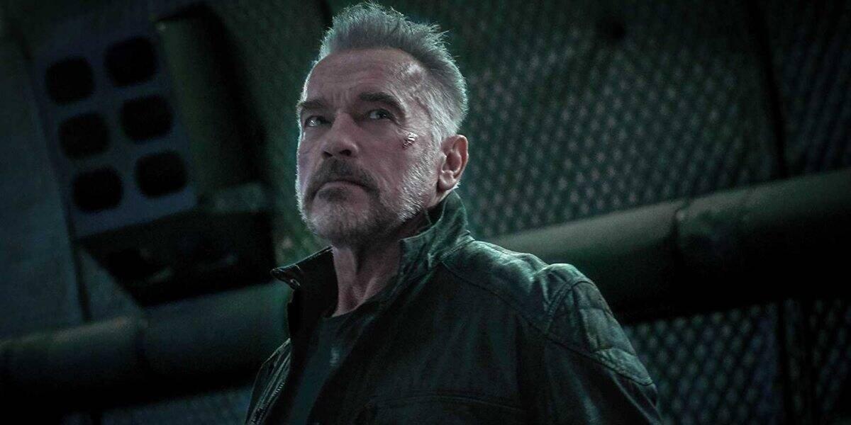 T-800 / Carl (Arnold Schwarzenegger) stares up in Terminator: Dark Fate (2019)