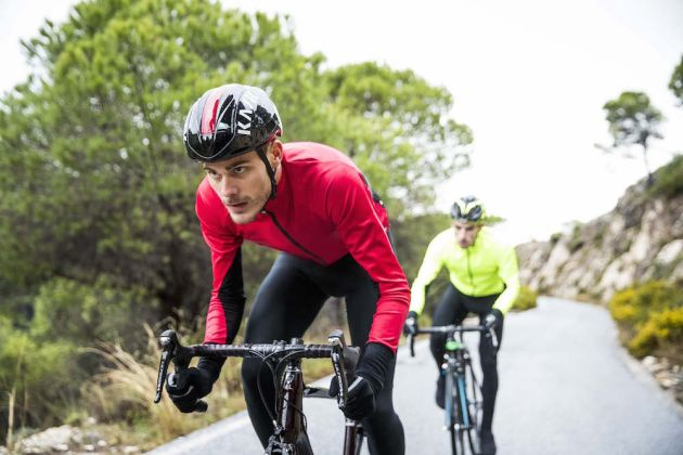 a061e7b19 Santini Beta jackets are designed for cool