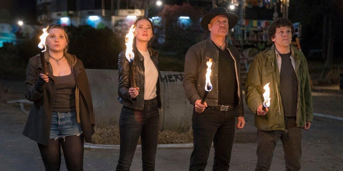 Abigail Breslin Emma Stone Woody Harrelson Jesse Eisenberg in Zombieland Double Tap