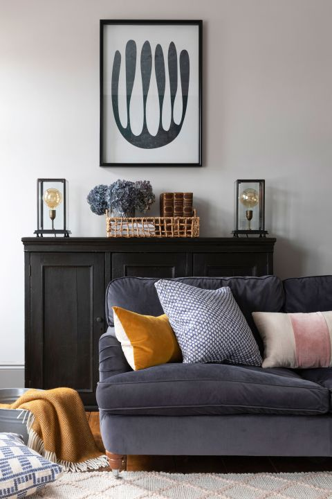 40 Grey Living Room Ideas That Prove, How To Decorate Living Room With Grey Sofa