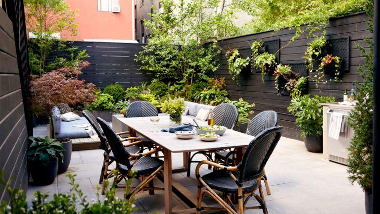 urban garden designed by the Manscapers/Backyard Envy's James DeSantis