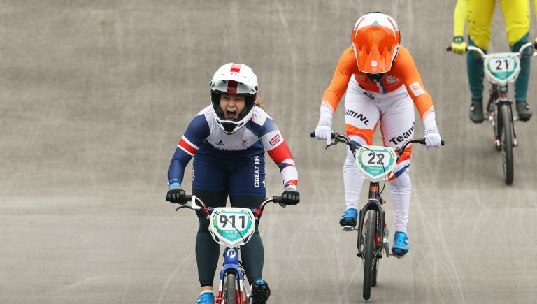 Bethany Shriever wins BMX gold
