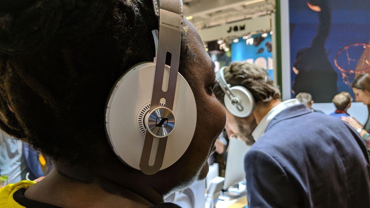 Sennheiser Momentum Hands-on Review: New Tricks for These Wireless Headphones