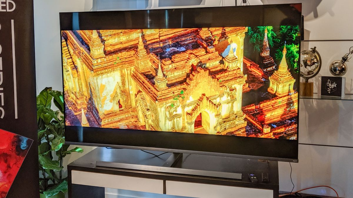 TCL 8-Series QLED Roku TV Review - TCL's first premium QLED TV puts the competition on notice.