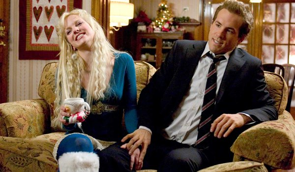 Just Friends Anna Farris forcefully grabs Ryan Reynolds' thigh