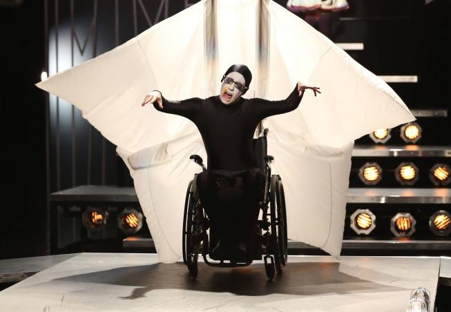 Glee Photos For November Episodes Tease Adam Lambert, Twerking And More #29535