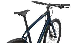 Sirrus X has a through-axle fork and hydraulic disc brakes