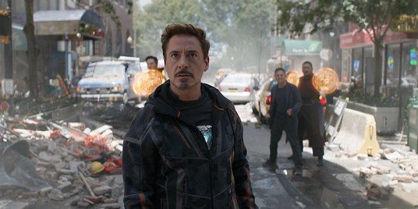 Avengers: Infinity War Benedict Cumberbatch Robert Downey Jr. Mark Ruffalo Benedict Wong all on a cr