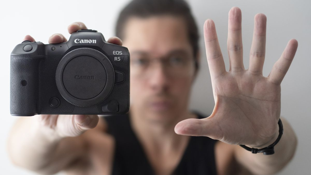5 things I love and 5 things I hate after a year with the Canon EOS R5