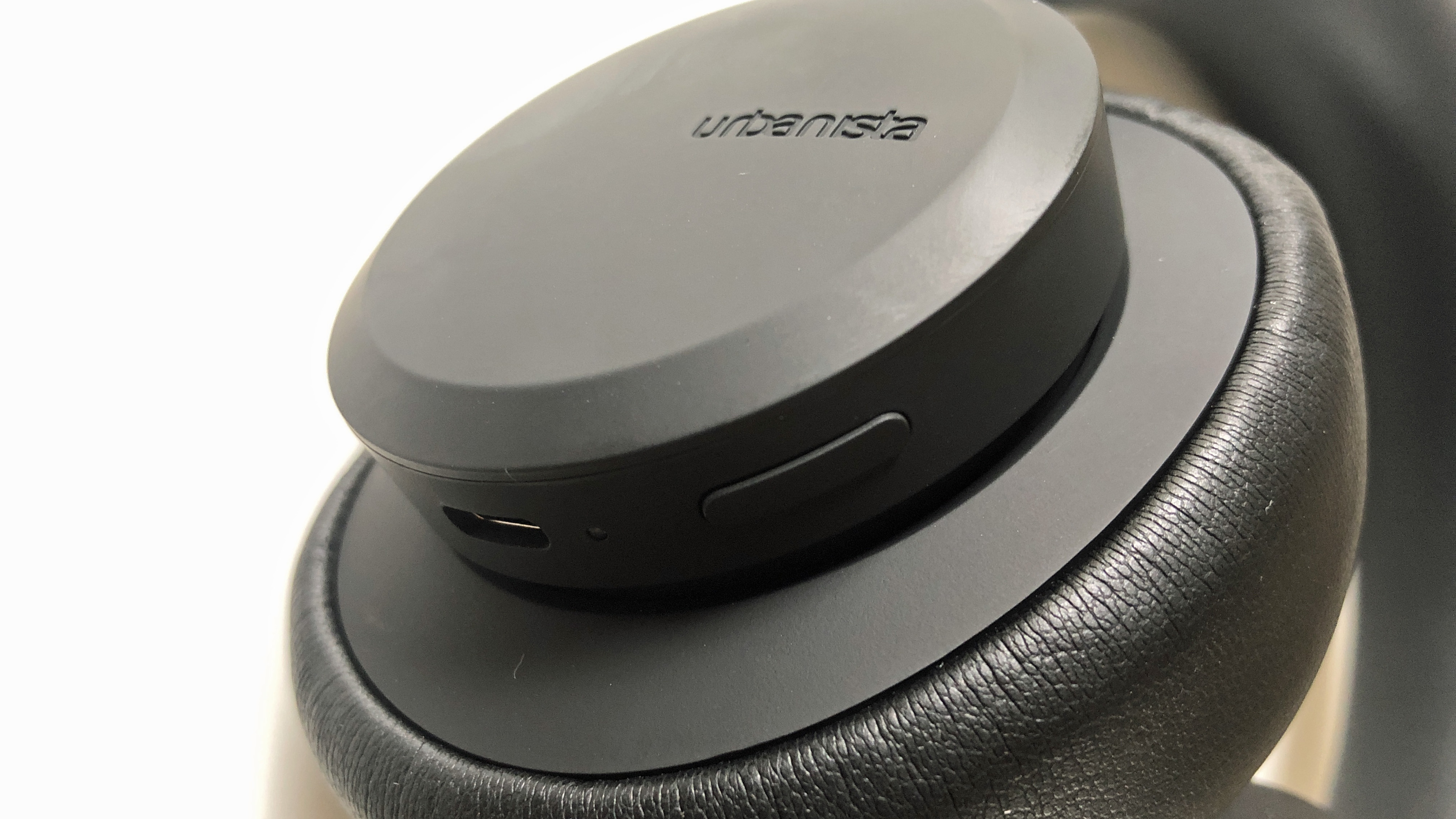 a closeup of the urbanista los angeles headphones